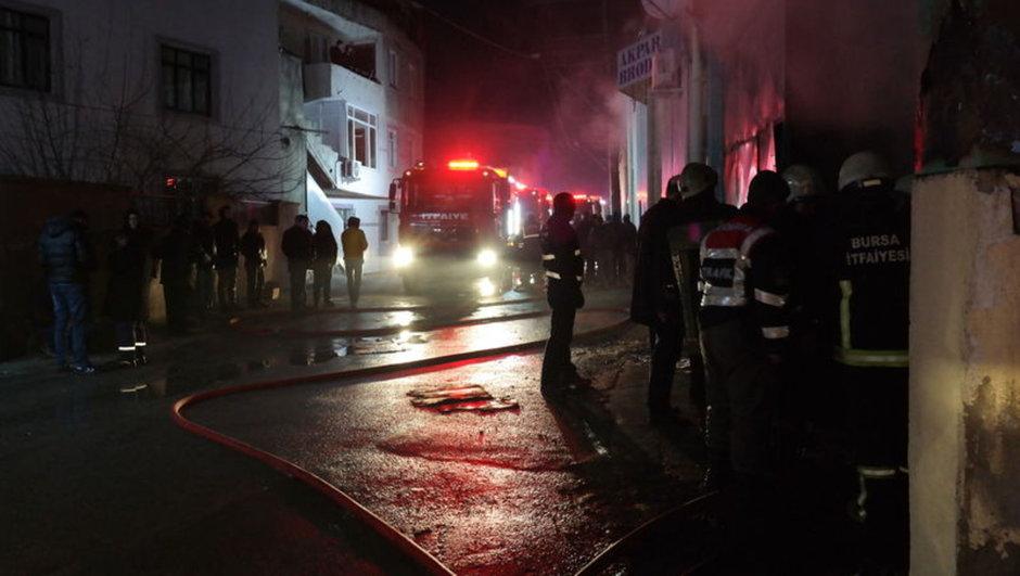 Bursa kumaş deposu  yangın
