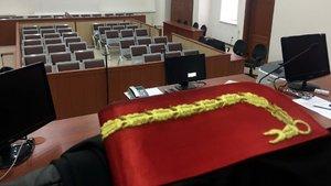 Hakim FETÖ'cüleri yargılarken açığa alındı