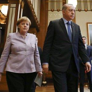 Beştepe'de Merkel'i terleten görüşme