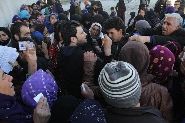 Adana'da Suriyeliler, yardım bahanesiyle Suriyelileri dolandırdı