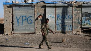 Trump, PYD/PKK'lı Rakka planını rafa kaldırdı iddiası