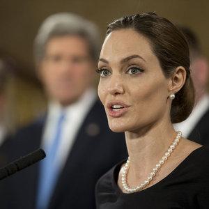 Jolie, Trump'a sert çıktı!