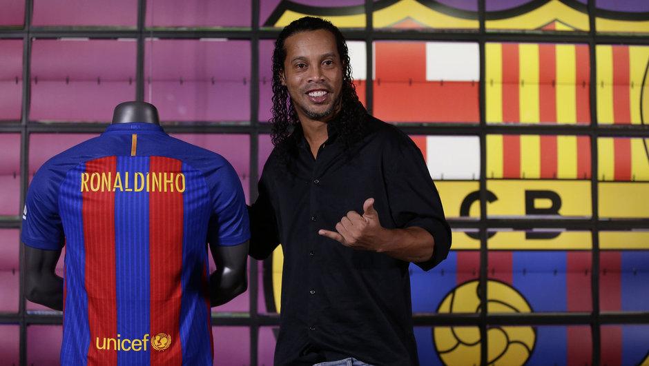 Ronaldinho İstanbul'a geliyor