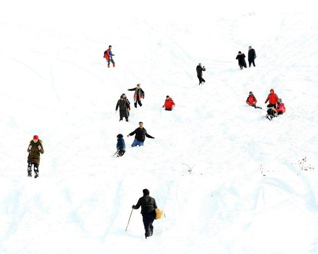 """Rize'de """"lazboard""""lu kayak şenliği renkli görüntülere sahne oldu"""
