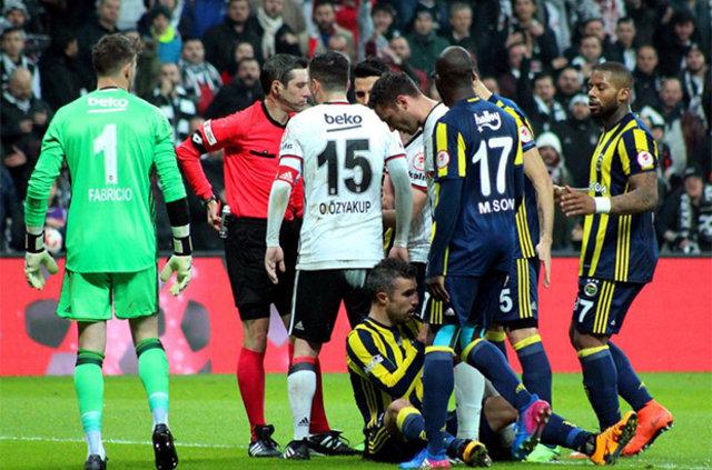 Futbolcular Beşiktaş-Fenerbahçe derbisini yorumladı