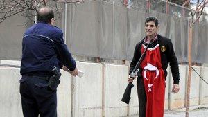 Gaziantep'te adliye önünde intihar girişimi