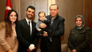Cumhurbaşkanı Erdoğan, Kenan Sofuoğlu'nu ve ailesini kabul etti