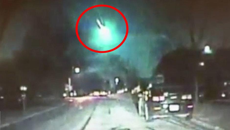 ABD'ye düşen meteor karanlığı aydınlattı!