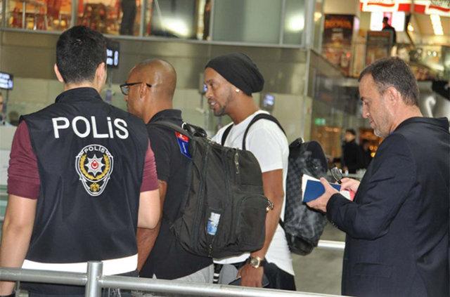 Ronaldinho Türkiye'de mi oynayacak?