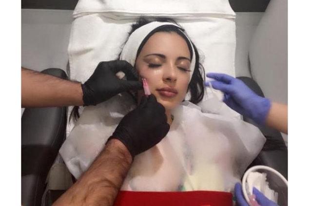 Jennifer Pamplona: Sevgilisinin vasiyetini yer,ne getirdi, oyuncak bebeğe dönüştü