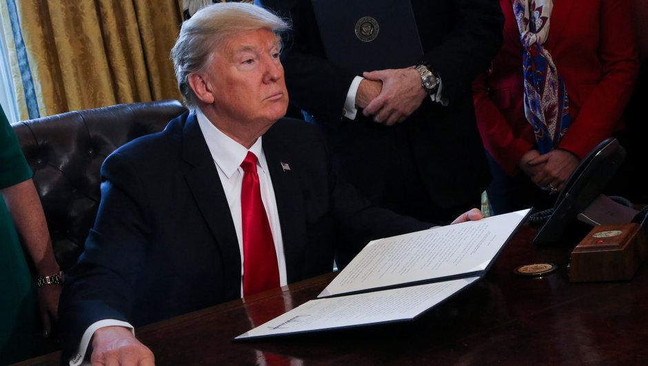 Donald Trump  seyahat yasağı