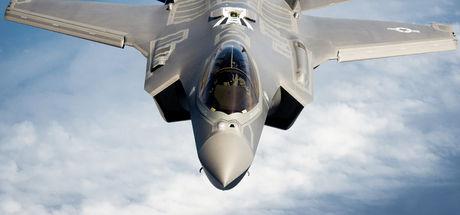 İsveç'te savaş uçağını cep telefonuyla görüntüleyene para cezası