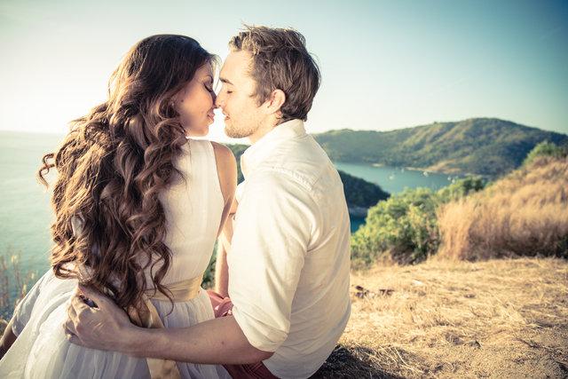Aşkı tazelemek için ayda 5 saat yeterli!