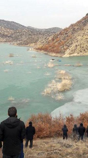 Balık tutarken kırılan buz yüzünden hayatını kaybetti