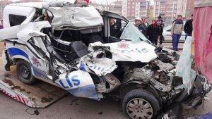 Aksaray'da polis aracı kaza yaptı