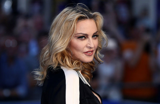 Madonna Afrika'dan ikiz çocuk evlat edindi