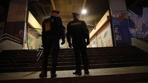 Fransa'da polisin copla taciz olayını protesto eden 2 gence 6 ay hapis