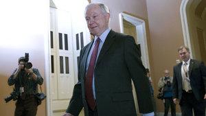 Trump'ın Adalet Bakanı adayı Sessions'a Senatodan onay