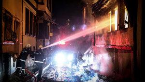 İstanbul'da metruk binada yangın