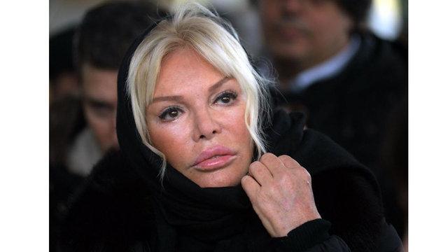 Bülent Ersoy ve Ajda Pekkan, Ayşe Ersayın'ın cenazesinde karşılaşmak istemedi