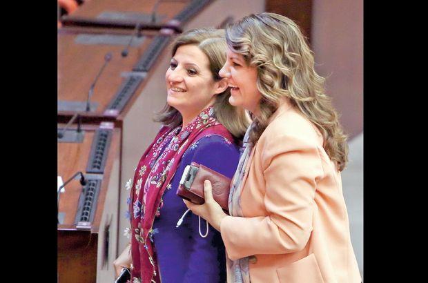 Türkmen'in yerine 2 aday