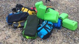 İngiltere'de sahile vuran çantalardan 50 milyon sterlinlik kokain çıktı