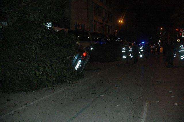 Adana'da kontrolden çıkan araçta mucize kurtuluş!
