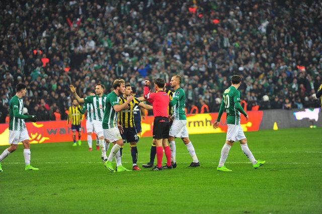 Bursaspor - Fenerbahçe maçının tartışmalı pozisyonları