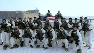 ABD askerleri Rus kalesinin önünde!