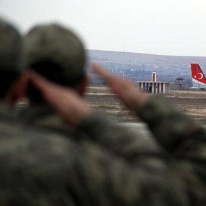TSK: Fırat Kalkanı'nda 1 asker şehit, 3 asker yaralı