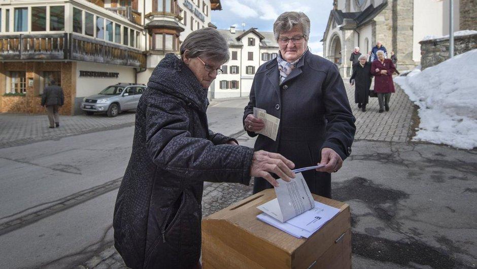 İsviçre halkı göçmenler için 'evet' dedi