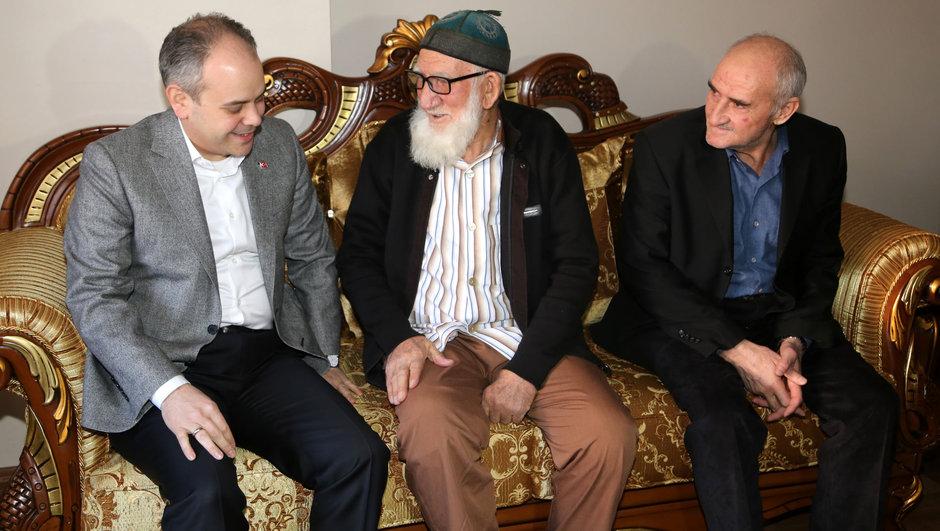 Bakan Akif Çağatay Kılıç'tan Baki Bayraktutan'a sürpriz ziyaret