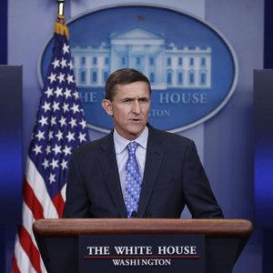 """Flynn üzerindeki """"Rusya"""" baskısı artıyor"""