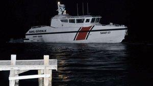Muğla'da balıkçı teknesi battı: 2 kişi kayıp