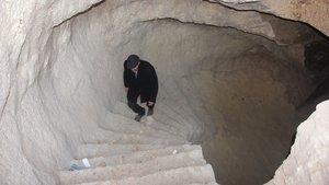 Gaziantep'te tarihi evin altında asırlık mağara buldu