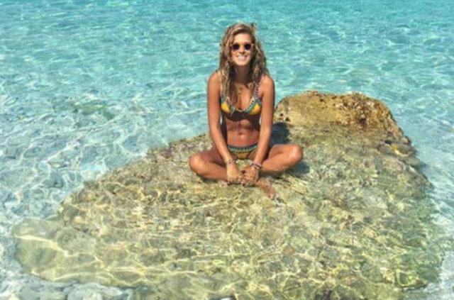 Eser Yenenler'in sevgilisi Dila Tarkan bikini yüzü oldu