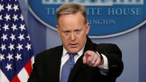 Beyaz Saray Sözcüsü Sean Spicer: Trump, Flynn'in durumunu değerlendiriyor