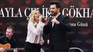 Gökhan Tepe ve Ayla Çelik birlikte sahneye çıktı