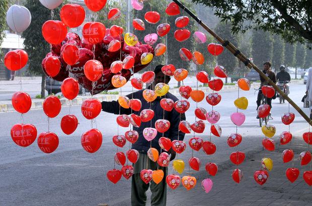 Pakistan'da Yüksek Mahkeme, Sevgililer Günü'nü yasakladı!