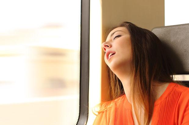 Toplu taşıma araçlarında uyuyarak seyahat etmeyin!