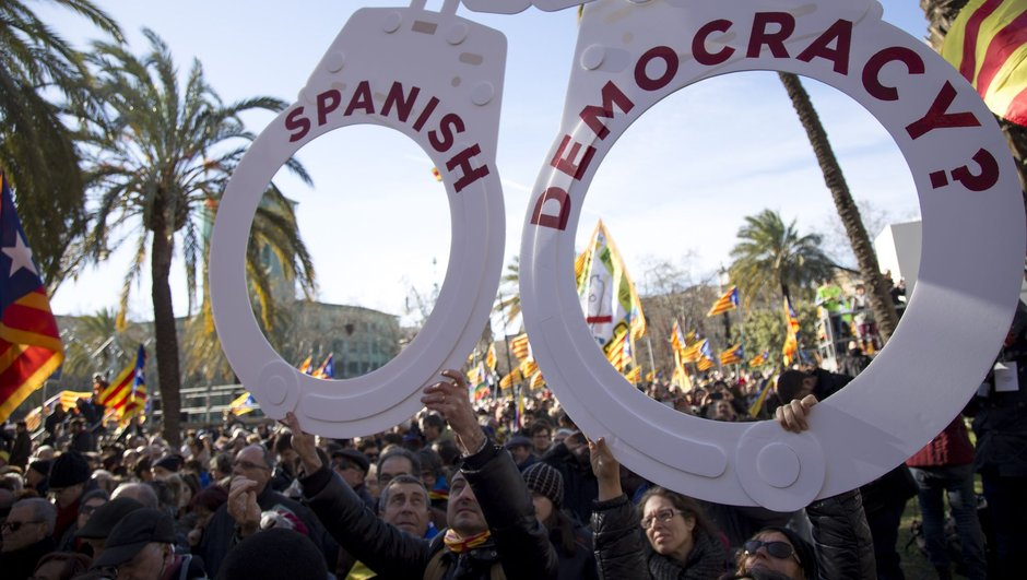 İspanya'da referandum krizi