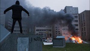 Fransız banliyöleri abluka altında