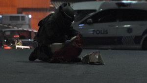 Beyoğlu'nda tabut şeklindeki kutu polisi harekete geçirdi!
