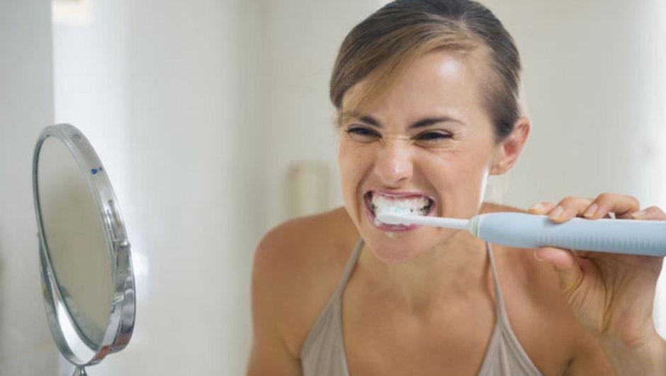 Leke çıkarıcı diş macunu