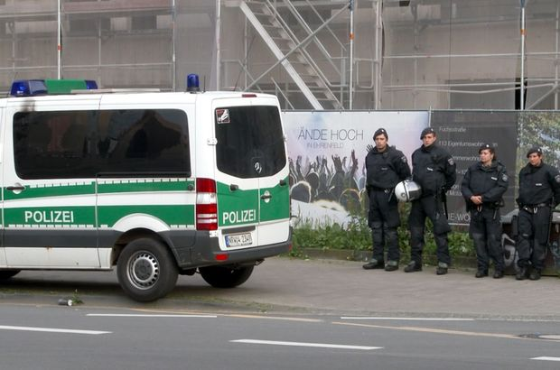 Almanya'da Türk imamlara şok baskın!