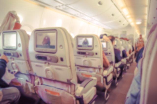 Uçuş görevlileri neden uçakta bir şey içmez?