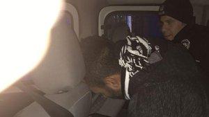 Maltepe'de polisten kaçan şahıslar polis aracına çarpınca yakalandı