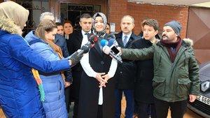Fatma Betül Sayan Kaya saldırıya uğrayan başörtülü genç kızı ziyaret etti