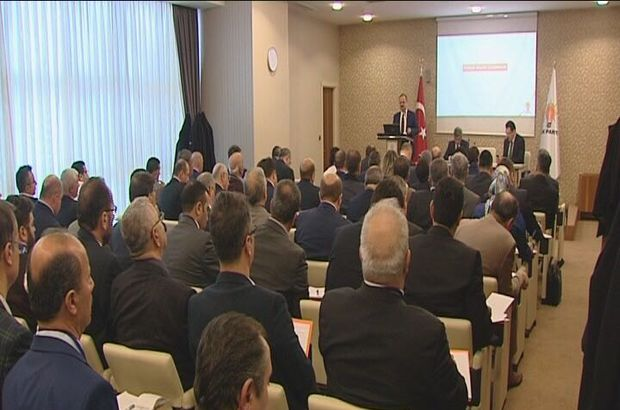 AK Parti'de eğitimin adı: Referandum