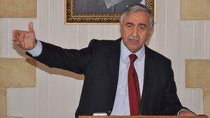Kıbrıs görüşmelerinde kriz! Rum lider kapıyı vurarak salonu terk etti!